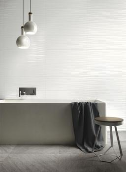 Total White look. The absolute perfection of white for your bathroom's walls