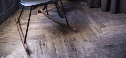 Woodessence by Ragno: a wood-effect floor covering that expresses all the warmth of a home