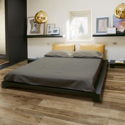 Wood-Effect Stoneware to Decorate your Bedroom Area with a Touch of Warmth