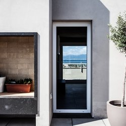 Sweeping view and continuity of material for Casa SG at Cagliari